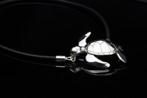 Alohi Kai Honu Turtle Leather Choker close1