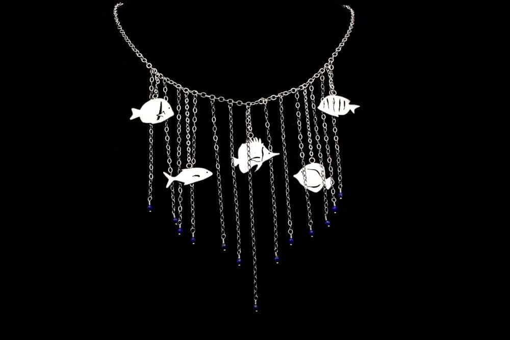 swimming seas collar necklace