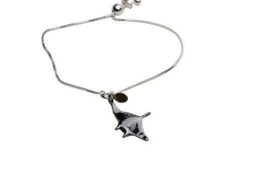 Hohonu Manta charm bracelet flip