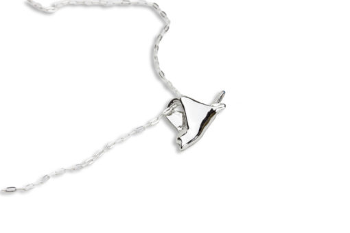 Hohonu Spotted Eagle Ray necklace side