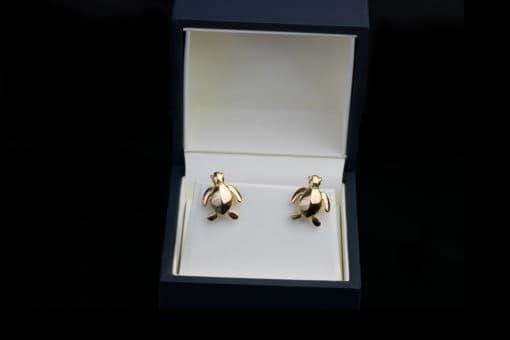 AK honu cufflinks gold in box