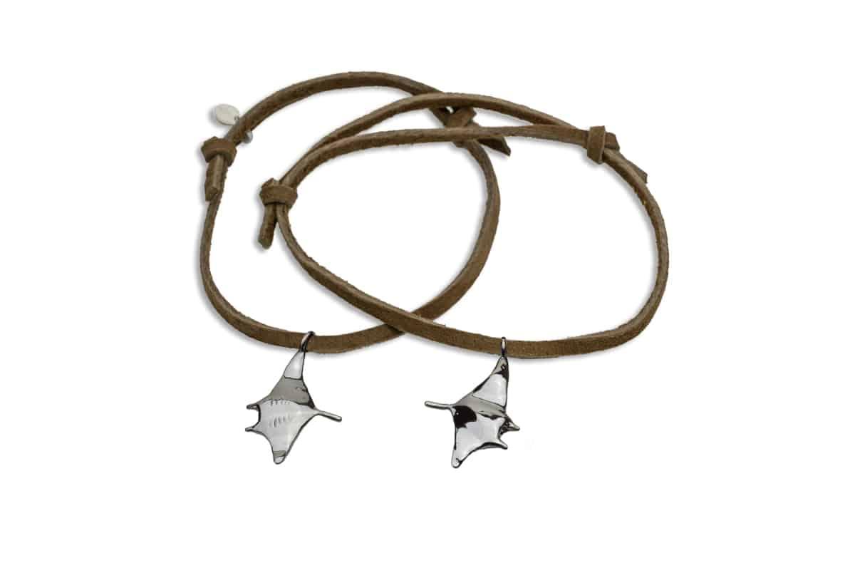 Hohonu adj bracelet manta on brown suede