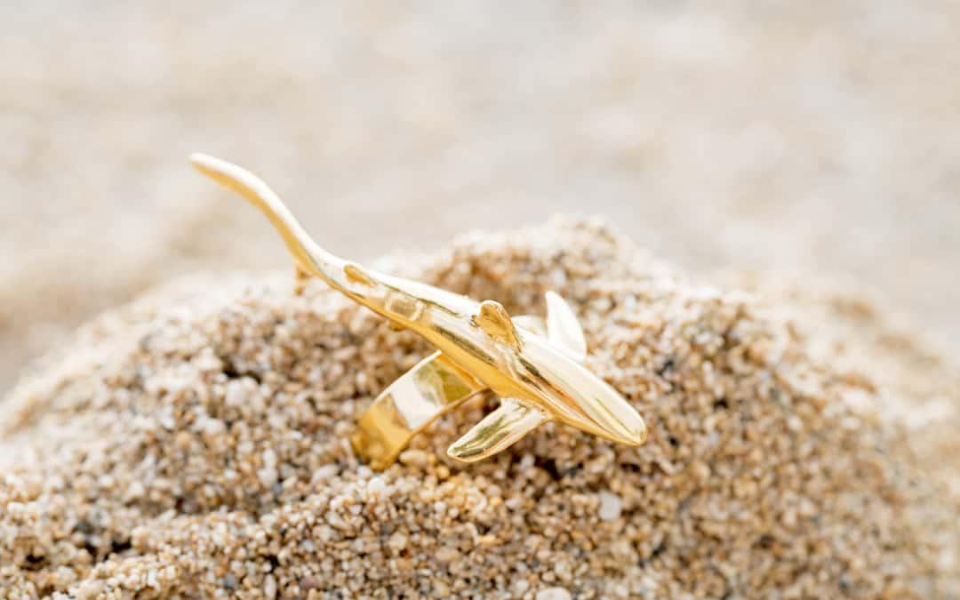 Blue Shark ring in gold