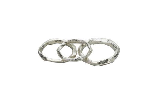 AK Wai rings side overlap